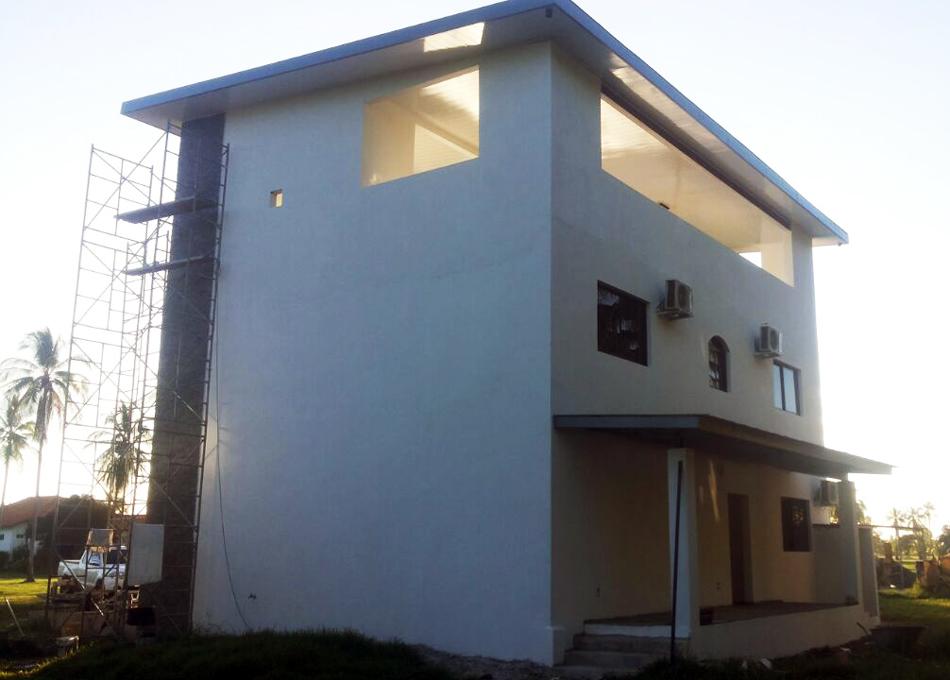 modern-houses_08_house_desog_ch233.jpg